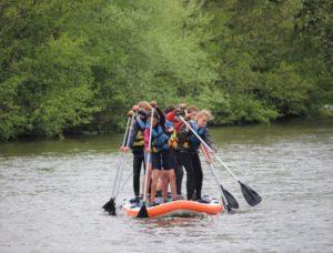 SUP Stand up Paddle géant activité nautique originale rivière Orne Thury Plein Air Thury-Harcourt Suisse Normande