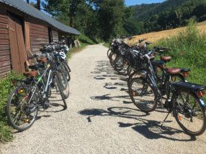 Vélos location VTC vélos balade VTT vélos à assistance électriques VAE balade randonnée location Thury Plein Air Thury-Harcourt Suisse Normande